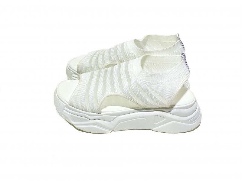 Босоножки открытый носик белые