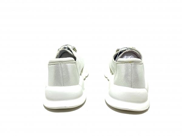 Кроссовки детские белые