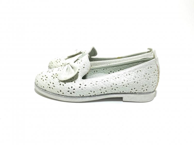 Туфли для девочек Перфорированные молочные