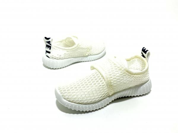 Легкие кроссовки сетка белые